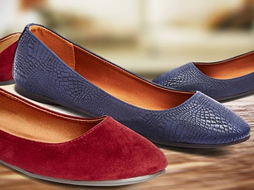 Signature Footwear Women's Flat Shoes