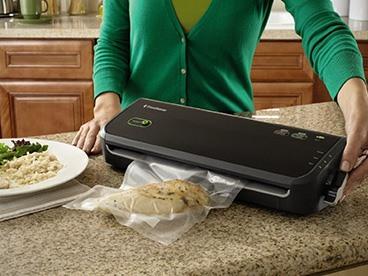 FoodSaver Vacuum Sealers & Extra Bags