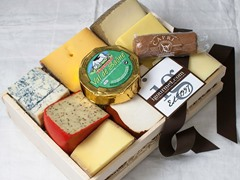 Cheese Lover's Sampler in Gift Basket