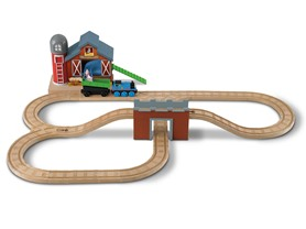 Fisher-Price Thomas Wooden Railway Farmhouse Pig Parade