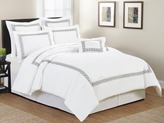 Ramsey Hotel Leaves Embellished 7 Piece Comforter Set- Queen