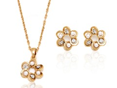 18k GP Swarovski Crystals/Pearl Flower Set
