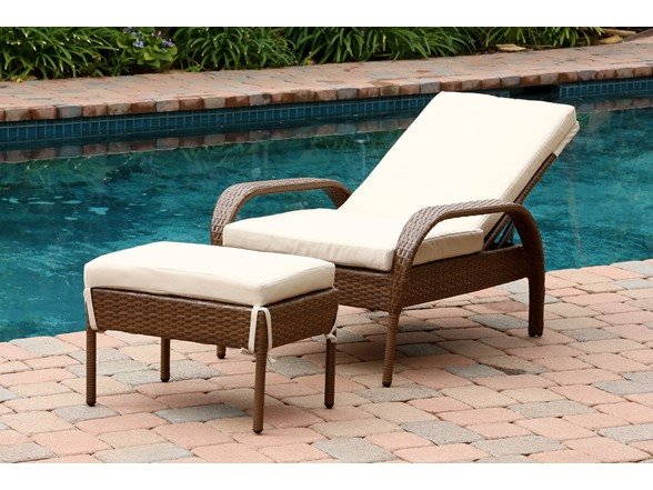 Keith Outdoor Wicker Chaise Lounge With Cushion