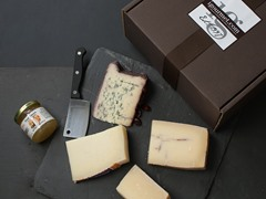 Italian Cheese Connoisseur Gift Box