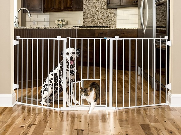 Flexi Gate With Pet Door