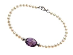 Pearl Bracelet with Amethyst Bead