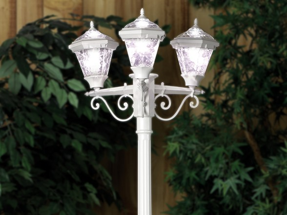 3 Head Solar Post Lamp White