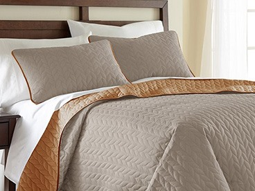 3-Piece Leaf Coverlet Set