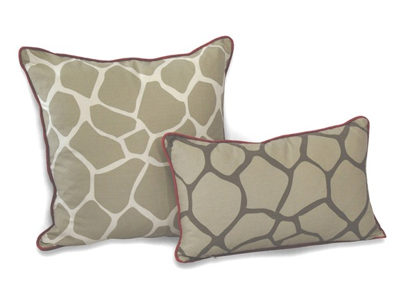 Giraffe Decorative Pillow : Giraffe Decorative Pillow