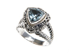 18kt Gold Trillion Blue Topaz Ring
