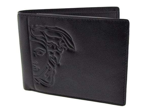 When it comes to men's accessories, a wallet is quite clearly a man's most essential accessory. Used day-in day-out, a wallet for men needs to be stylish, trusted and sturdy, with practicalities like card slots and well-proportioned folds.