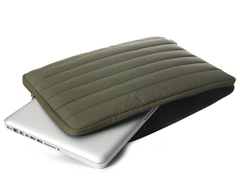 Denver Nylon Sleeve for MacBook Pro 17""