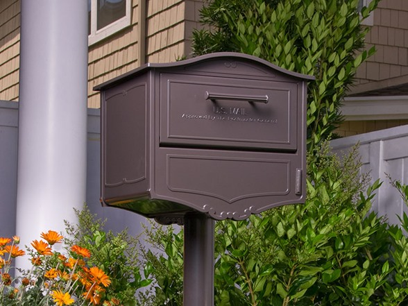Geneva Locking Mailbox With Post And Cover Bronze