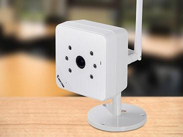 Vivotek Compact Cube Network Camera