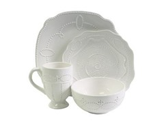 Gabrielle Scallop 16-Piece White Dinnerware Set