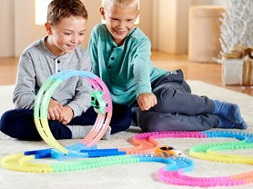 Twister Tracks 232 Pc Glow Track Set w/2 Cars