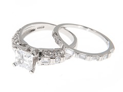18kt White Gold Baguette Cut Fancy Set