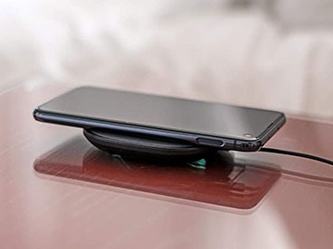 Wireless Phone Charger, Pads and Powerstations