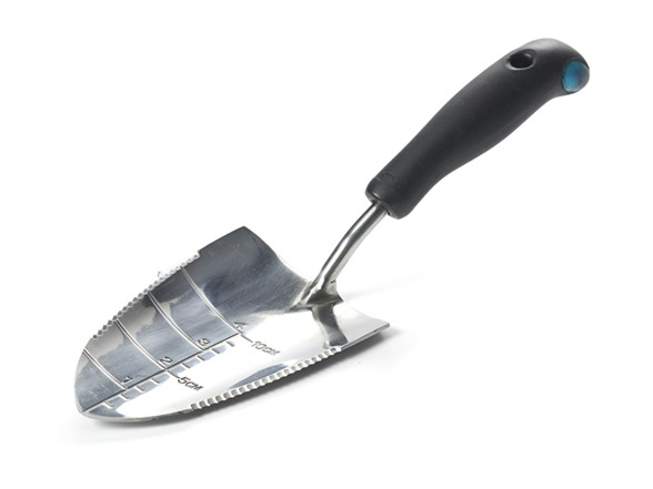 Oxo gel e gardening trowel for Gardening tools trowel