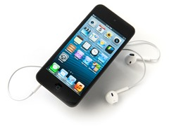 32GB iPod touch (5th Gen) Black